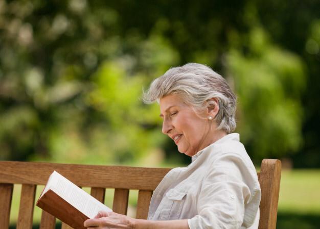 Benefícios da leitura para os idosos