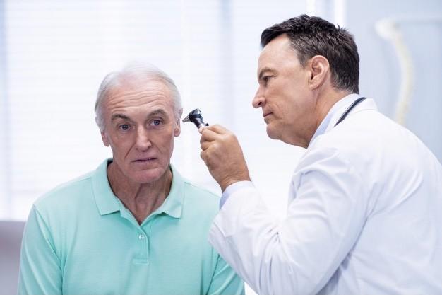 Confira quais são os benefícios da fonoaudiologia para os idosos