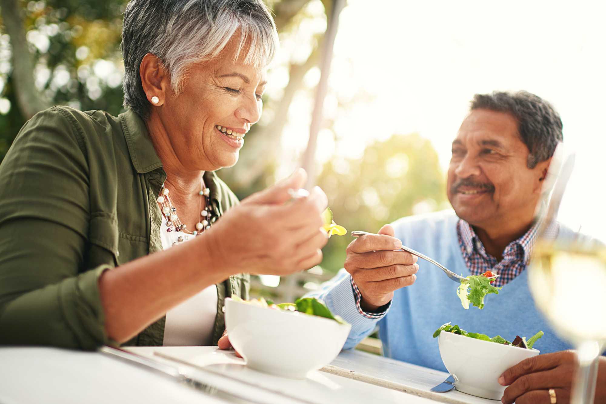 Alimentação para idosos: saiba como fazer uma dieta equilibrada