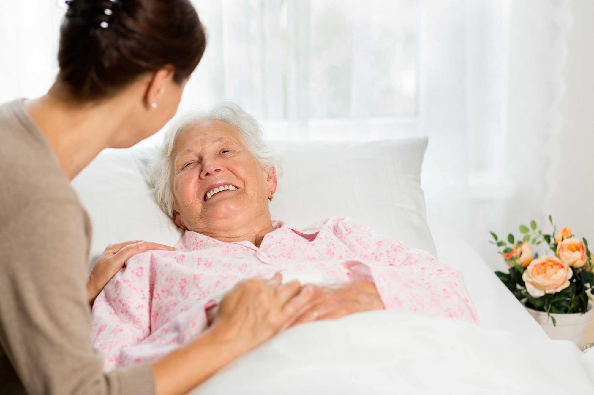 (x) melhores práticas ao cuidar de idoso acamado