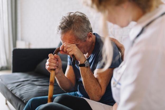 Depressão em idosos: Causas e sintomas
