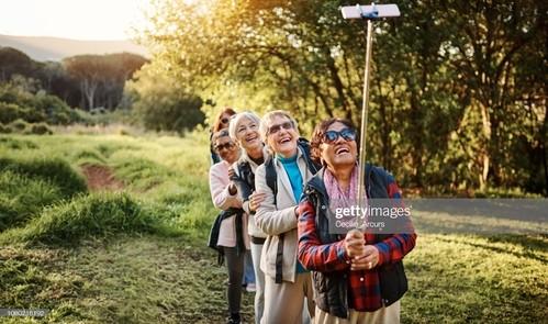 Saiba a importância da autonomia do idoso e como a família pode ajudar