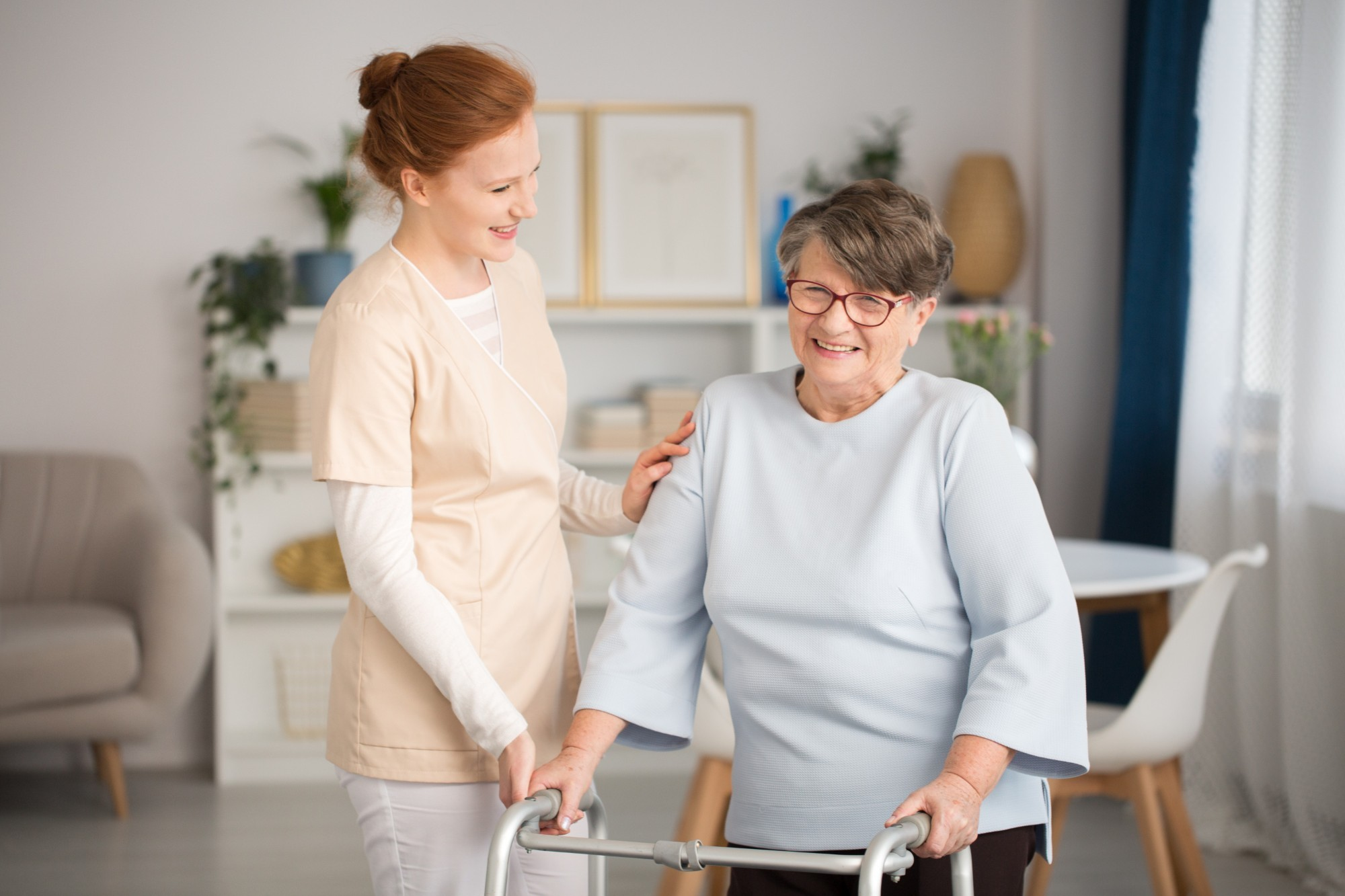[ESTENDER + 500] Como contratar um cuidador de idosos?