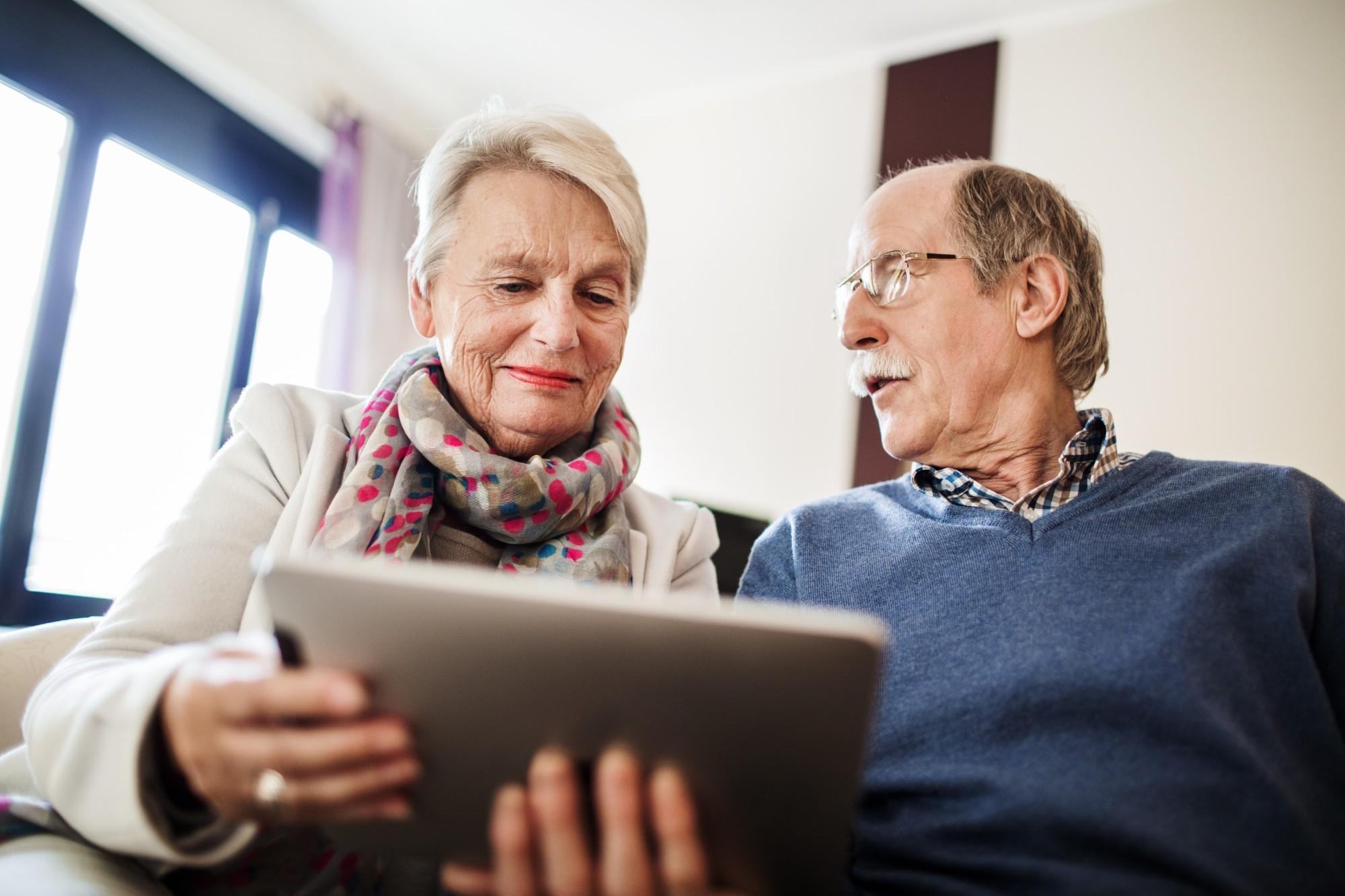 Como a tecnologia para idosos pode ajudar durante a quarentena?